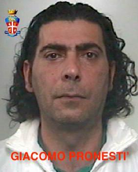 Rapina e furto aggravato, i carabinieri arrestano due pregiudicati