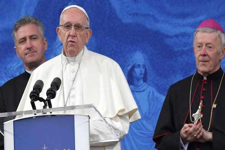 """i migranti della Diciotti non rimarranno a Messina, Papa Francesco: """"Saranno integrati"""""""