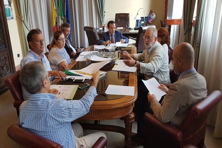 """Tortorici, De Luca dispone la riapertura della sezione staccata dell'Istituto """"Tomasi di Lampedusa"""""""