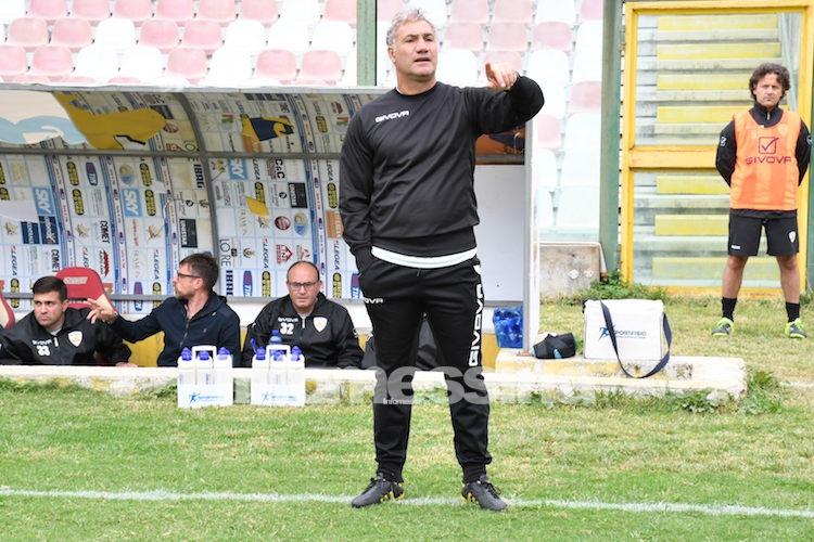 Ufficiale, l'Acr Messina esonera Pietro Infantino