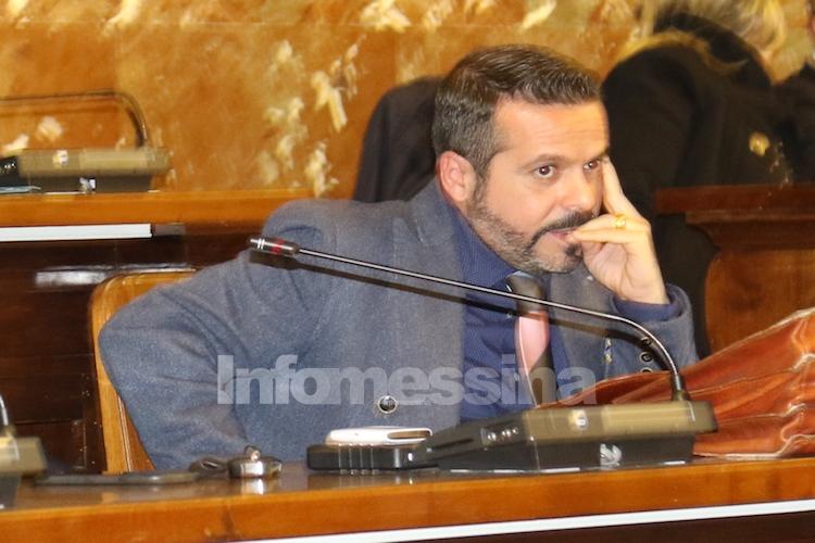"""Gioveni scrive a De Luca: """"Non dimetterti non fare come Platini, ma come Ibraimovic"""""""