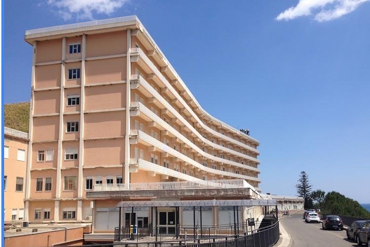 L'Ospedale di Taormina sarà dotato di un parcheggio di 350 posti auto e un'elipista