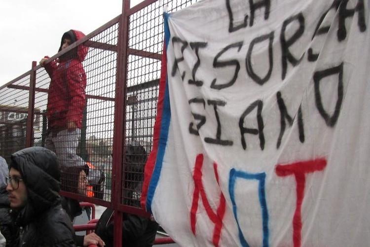 """Inseguimento per le """"pezze"""" sulla A/18, la Questura di Messina emette 5 Daspo a ultras catanesi"""