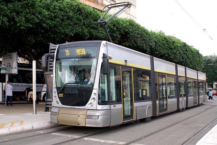 Messina, utenti tram inviperiti, stamane solo una vettura c'è il rischio del fermo totale
