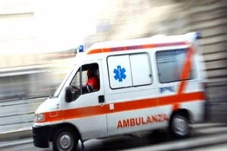 In preda ai fumi dell'alcol picchia la figlia di un anno e aggredisce i Carabinieri intervenuti