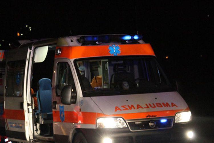 Scooter si schianta contro un mezzo di Messina Servizi, muore 28enne