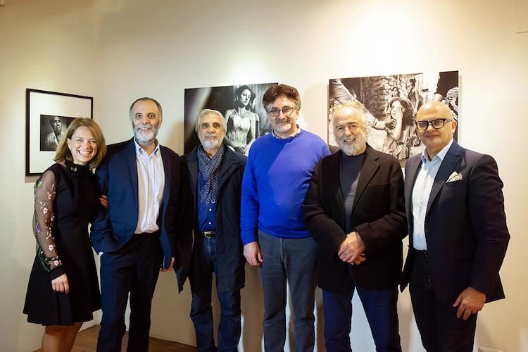 """""""Il Valzer di un giorno"""", inaugurata l'esposizione dell'artista siciliano Franco Carlisi"""