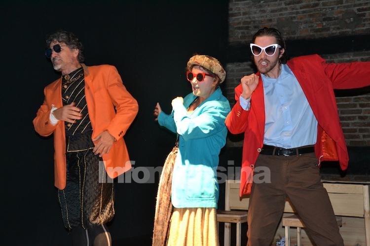 Al Clan Off, il riverbero spiccatamente teatrale delle ciarle su Shakespeare