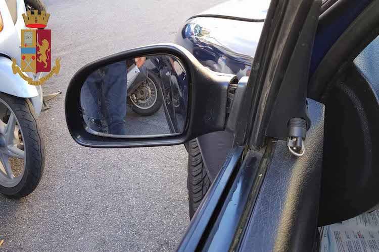 Bloccati coniugi specializzati nella truffa dello specchietto