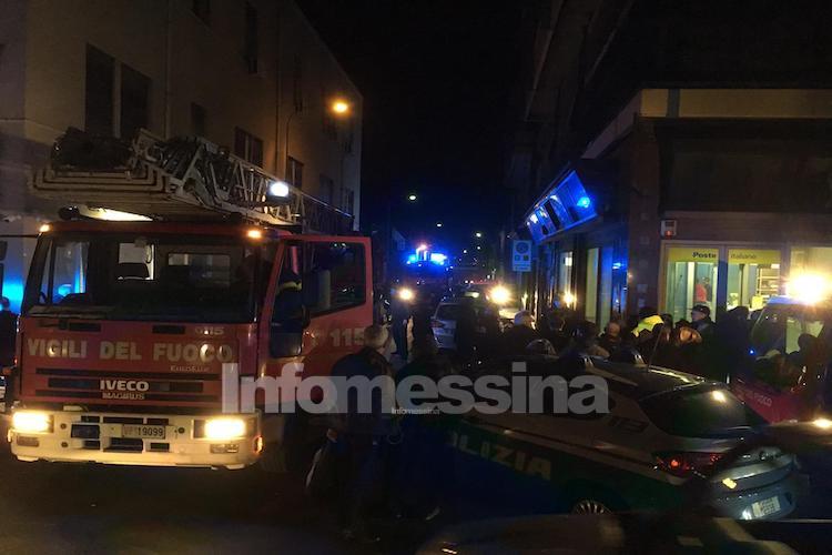 Esplode una bomba davanti l'ufficio postale di via La Farina a Messina