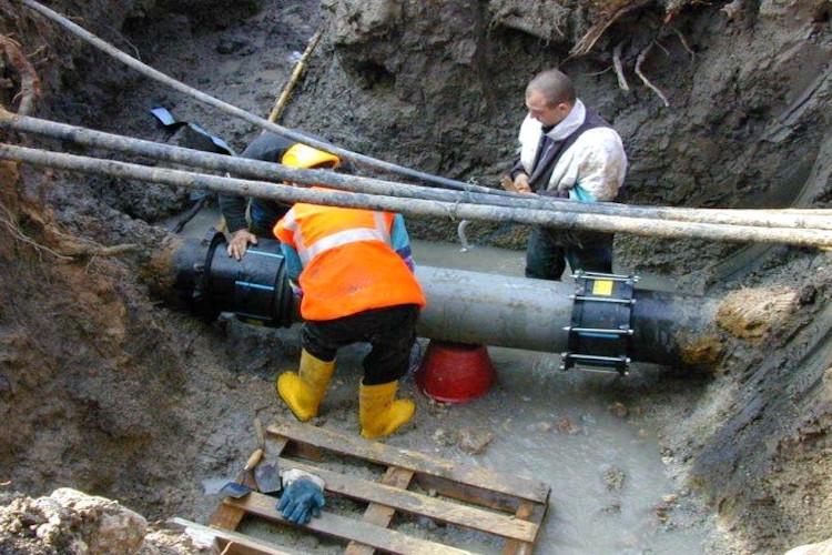 Riparazione condotta Fiumefreddo, completato il primo step, l'11 marzo ripresa dei lavori
