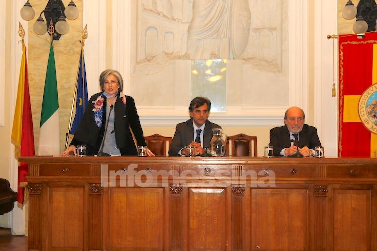 Rapporto tra umanità e tecnica, bagno di folla per il filosofo Galimberti a Messina