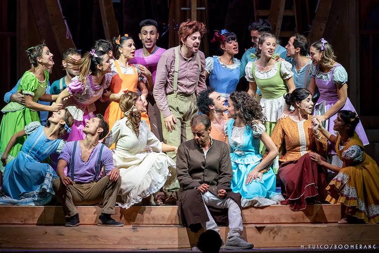 """Al Teatro Vittorio Emanuele in scena il musical """"Aggiungi un posto a tavola"""""""