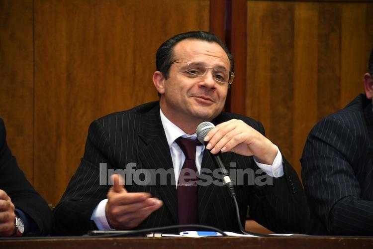 """De Luca non replica a Tripodi (Uil): """"Lo invito a un pubblico confronto"""""""