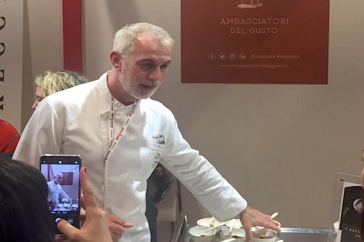 Chef Caliri e il suo piatto che stupisce, racconta un incontro tra terra e mare in Sicilia