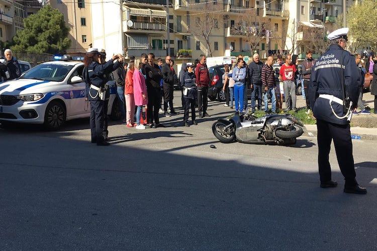 Autovettura travolge uno scooter a Villaggio Aldisio, muore un giovane del luogo