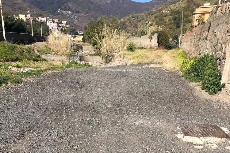 Sequestrata una strada abusiva all'interno del Torrente Larderia trasformato in discarica