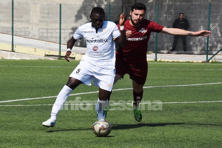 Tanti sbadigli, nessuna emozione e zero gol tra Messina e Roccella