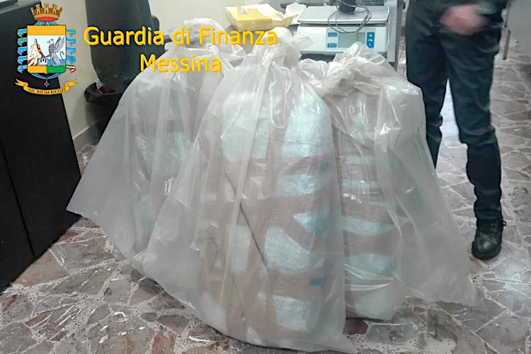 Corriere della droga catanese arrestato a Tremestieri, trasportava 30 Kg di Marijuana
