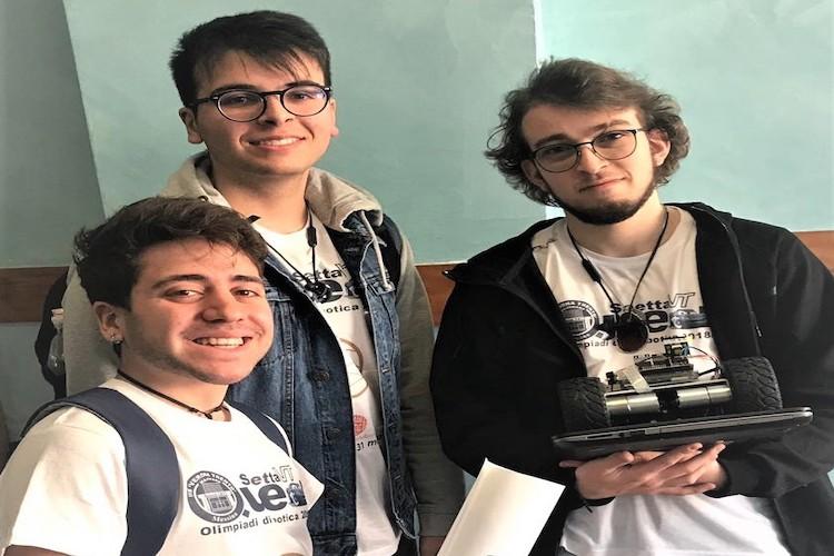 """Il robot dell'I.I.S. Verona Trento, trova i dispersi sotto le macerie e vince il premio """"Omron"""""""