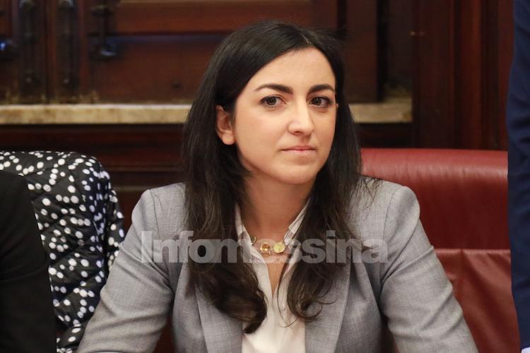 """Maria Fernanda Gervasi: """"Saldi anche in politica, svendita di consiglieri e deputati al miglior offerente"""""""