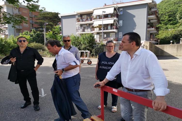 Alloggio custode occupato abusivamente, officina illegale e orto, chiusura immediata impianto Atletica Cappuccini