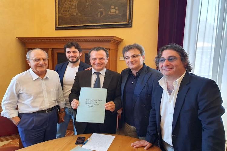 """Riapertura piazza Cairoli, l'Amministrazione precisa: """"Decide il Consiglio comunale"""""""