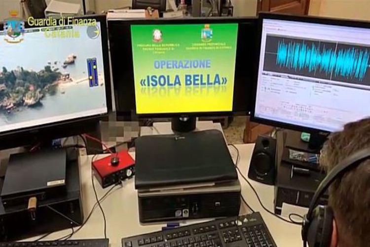 Le mani della mafia catanese sul business barche da diporto a Isola Bella, 31 arresti