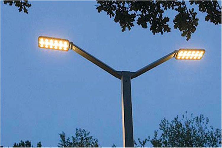 L'impresa che gestisce gli impianti di illuminazione a Messina lavora senza contratto